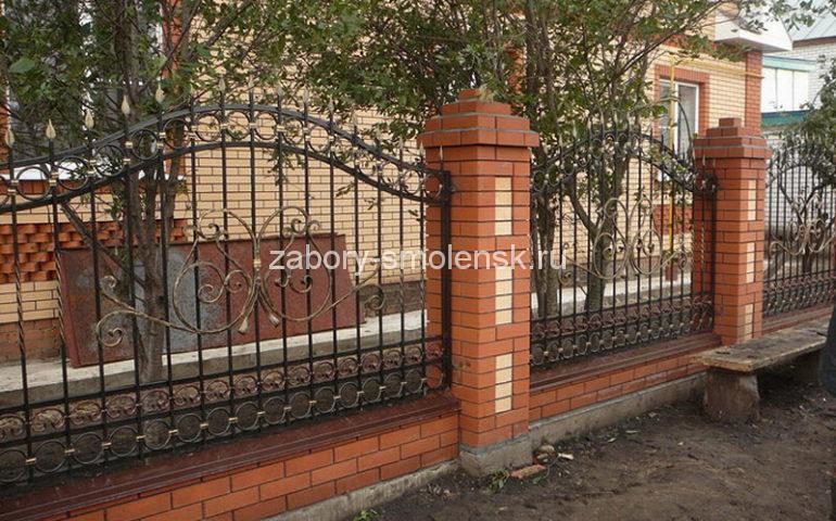 строительство заборов с ковкой в Смоленске