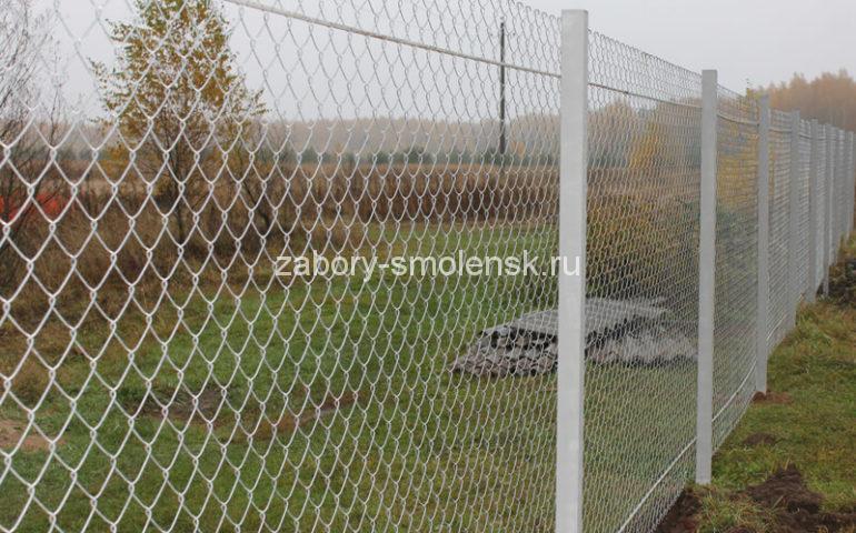 строим забор из сетки рабицы